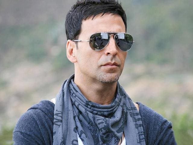 Akshay Kumar, who will next be seen in Airlift, may play the lead role in the Hindi remake of Tamil hit film Kaththi.
