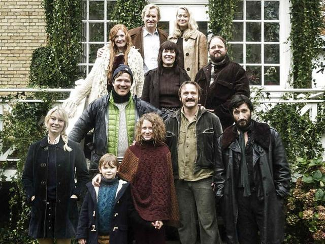 The Commune is inspired by Vinterberg's own experiences at a Nordkrog commune, north of Copenhagen, where he lived with his parents between 1976 and 1985.