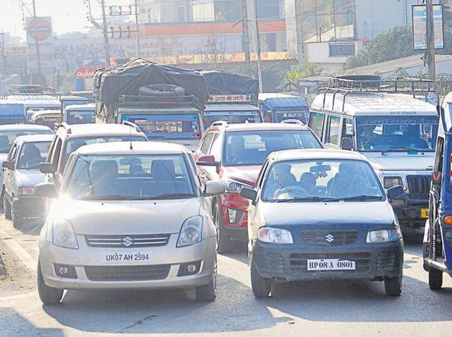 Locals say that the traffic in the city has surged drastically over the past two decades, especially after Dehradun was announced the interim capital of Uttarakhand in 2000.