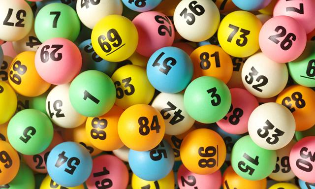The Acostas will take their winnings in a cash option totaling $327.8 million before federal taxes, lottery officials said.