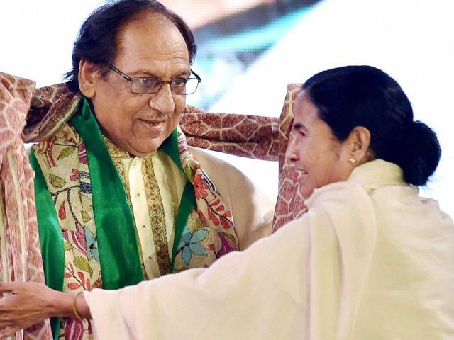 West Bengal chief minister Mamata Banerjee with Ghazal maestro Ghulam Ali at a programme in Kolkata on Tuesday.