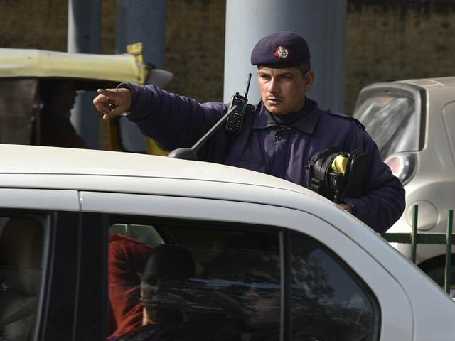 Delhi traffic police challaned 601 people on violating the odd-even rule in New Delhi on Tuesday.