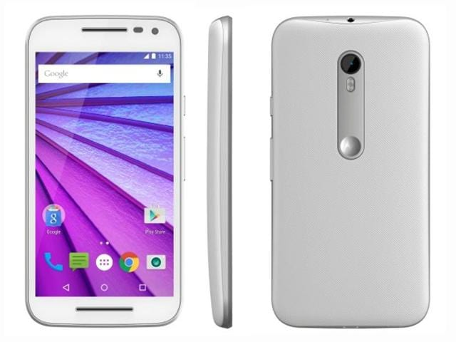 Smartphone maker Motorola slashed the price of the third generation its best-selling handset, Moto G by 16.6% to Rs. 9,999
