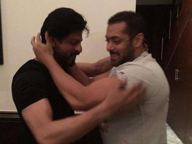 When Salman taught some Sultan moves to Shah Rukh Khan.
