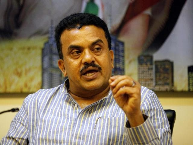 The disciplinary committee of the All India Congress Committee has served a notice to Mumbai Congress chief Sanjay Nirupam for the gaffe in the Congress Darshan magazine published by the unit.