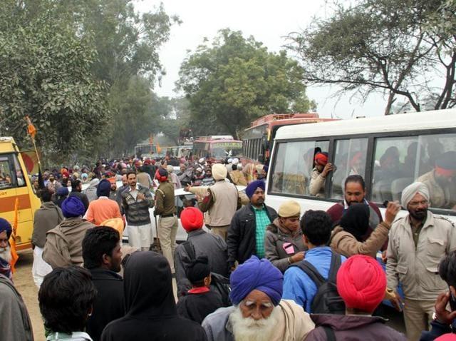 Traffic Jam at Maghi Mela rallies on Muktsar Malot Road on Thursday.
