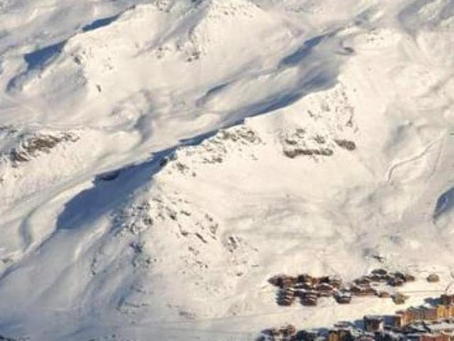 An avalanche in the French Alps hit a group which included ten schoolchildren.