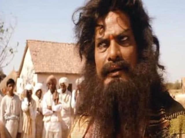 Bollywood actor Rajesh Vivek in Lagaan.