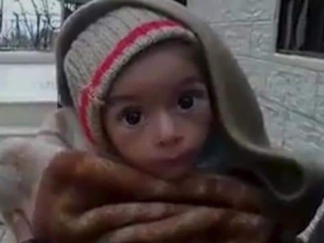 Residents who say they have received permission from the Syrian government to leave the besieged town, depart after an aid convoy entered Madaya.