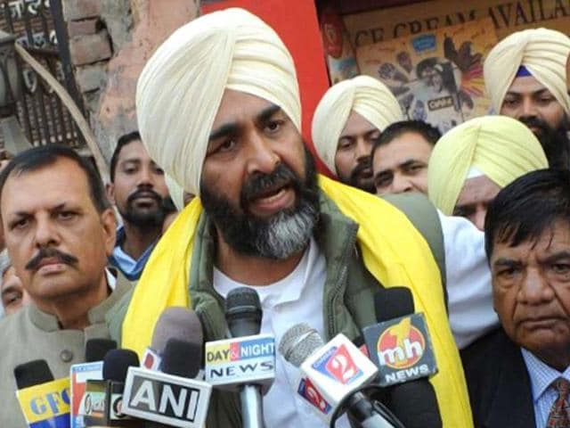 Confirming the development, former Punjab Congress chief Partap Singh Bajwa said Badal's entry would give the party a fresh boost to its poll campaign.