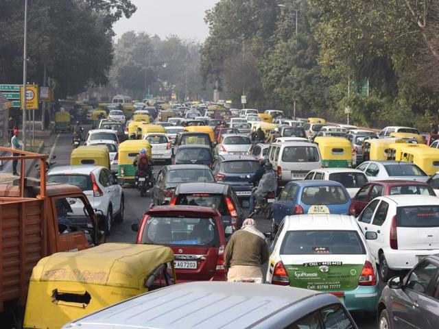 Huge traffic jam was occured due to restricted vehicular movement for Republic Day rehearsal on Monday, January 18, 2016, the first weekday after the odd-even trial period ended.