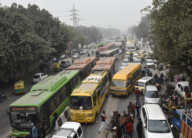 Delhi govt won't use school buses in second phase of odd-even