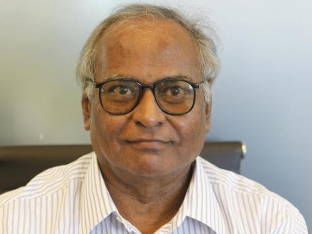 Aroon Tikekar,Mumbai,Mumbai university