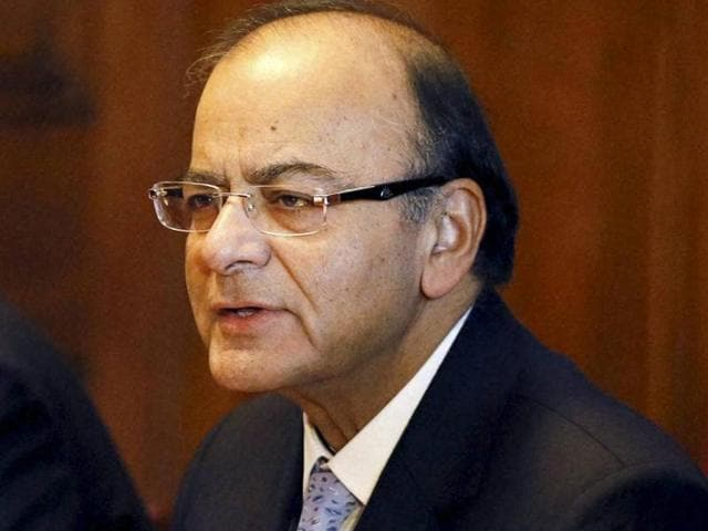 (From left to right) Journalist Vikram Chandra, finance minister Arun Jaitley, economist Nouriel Roubini, businessman Sunil Bharti Mittal and Cisco executive chairman John T Chambers during the 'India and the World' session at the World Economic Forum in Davos.
