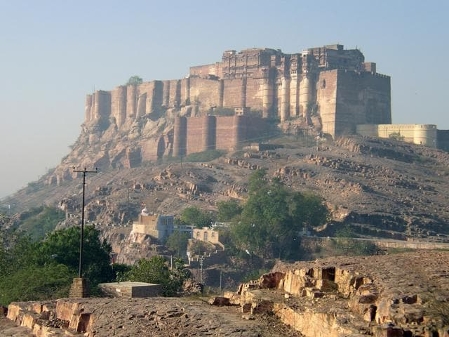 The craze for a selfie turned fatal for a 23-year-old tourist to the Mehrangarh Fort in Rajasthan's Jodhpur city on Tuesday,S DIGITAL CAMERA