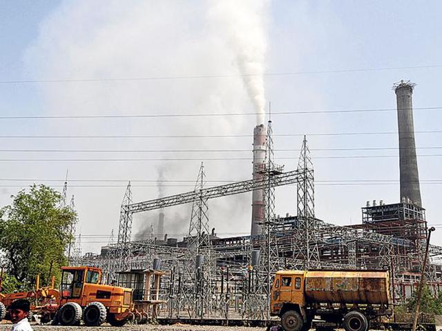 The Cabinet approved a new power tariff policy on Wednesday that aims at promoting clean energy, better regulation of discoms and faster roll out of investments.