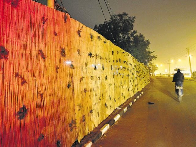 To keep the ugly side of the city out of sight of the high-profile guest, a virtual wall has been created from the technical airport towards Hallomajra