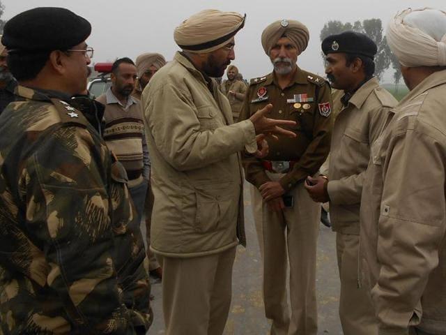 villagers,Pak border,Ferozepur police