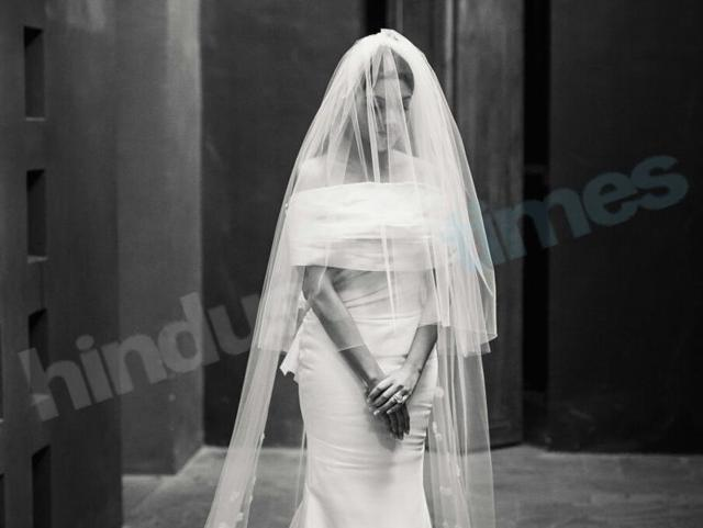 Asin looked the perfect princess bride in her Christian ceremony. She wore a Vera Wang gown.