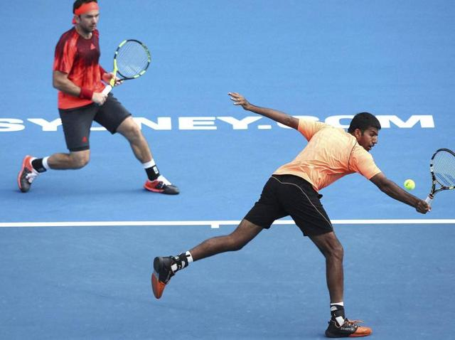 Rohan Bopanna earned an easy win to enter the men's doubles third round on a rain-plagued Friday at the Australian Open on Friday.