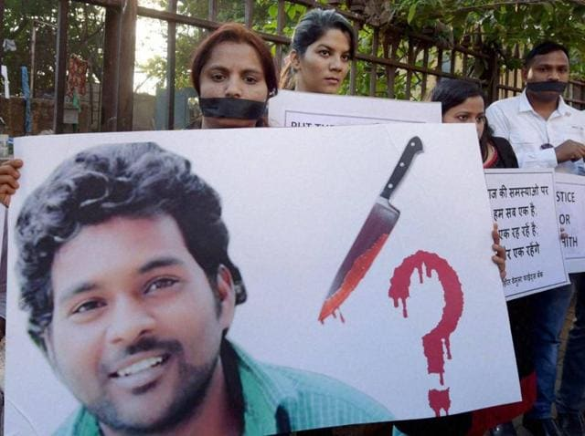 Students staging a protest against the suicide of a Dalit scholar in a Hyderabad Central University, in Mumbai.