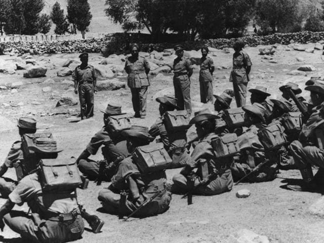 Indian troops being inspected before leaving their posts in the Ladakh region during the border clashes between India and China in 1962.