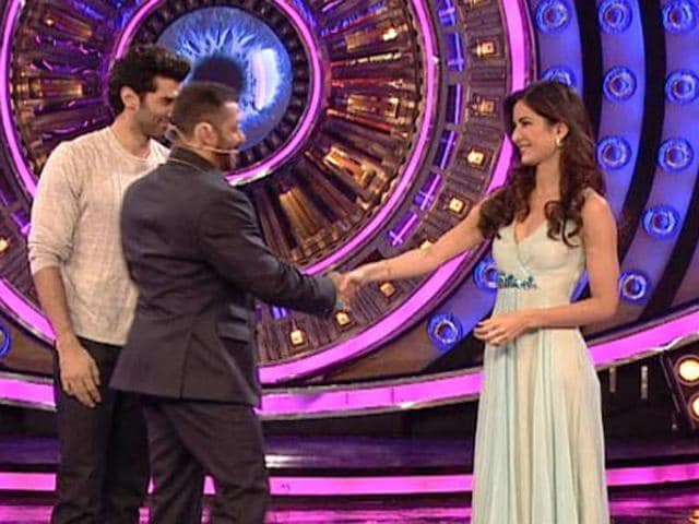 Salman Khan and Katrina Kaif were at ease with each other as they met on Bigg Boss 9 sets on Saturday.