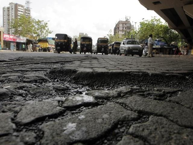 While the BMC is struggling to collect evidences against the road contractors, officials saidconsultants will be scrutinised once evidence of substandard material used in the road work is obtained.(File photo)