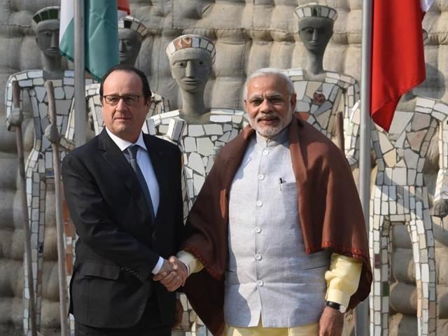 French President Francois Hollande with Prime Minister Narendra Modi at Rock Garden in Chandigarh. Hollande is in India on a three-day visit.