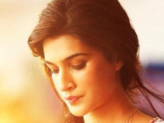 Actor Kriti Sanon made her Bollywood debut with Heropanti (2014) alongside Tiger Shroff. (kritisanon/Instagram)