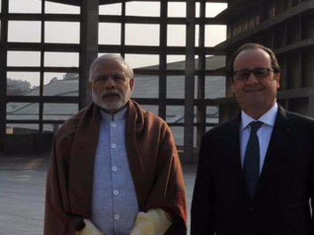 Addressing the India-France Business Summit, Modi said India and France had huge potential to work together in various fields.