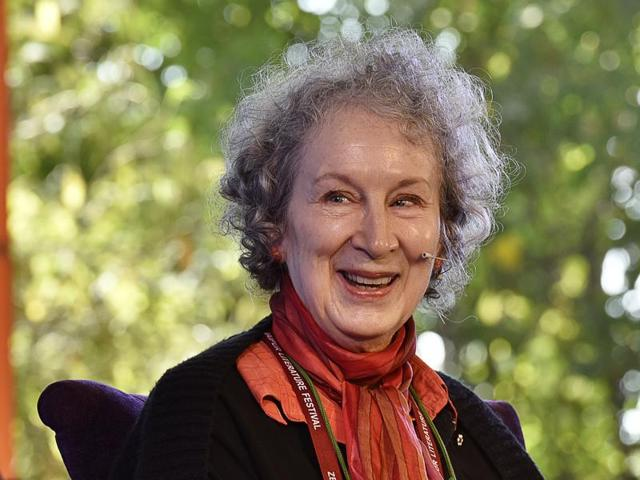 Margaret Atwood launches her Book during the session The Heart Goes Last at the Jaipur Literature festival 2016, in Jaipur, India.(Sanjeev Verma/HT Photo)