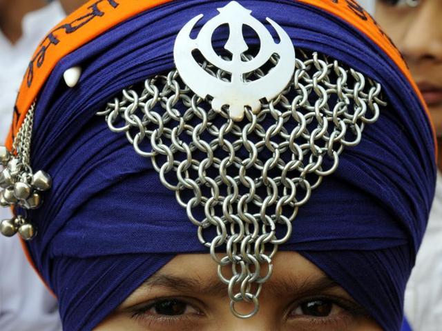 sikh community,Minority community,INdian demographics