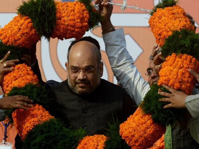 BJP president Amit Shah received a warm welcome from the party workers during a rally in Howrah.