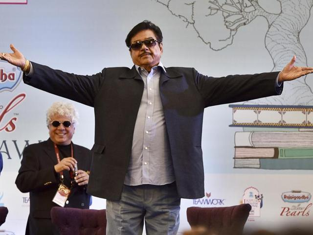 BJP leader Shatrughan Sinha launched his book, Anything But Khaamosh: The Shatrughan Sinha Biography at the Jaipur Literature Festival 2016 in Jaipur on Monday.(Sanjeev Verma/HT Photo)