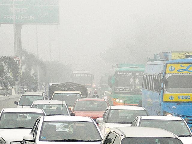 Cold and dry weather, accompanied by dense fog, will continue to prevail in the coming days, a Met official said.