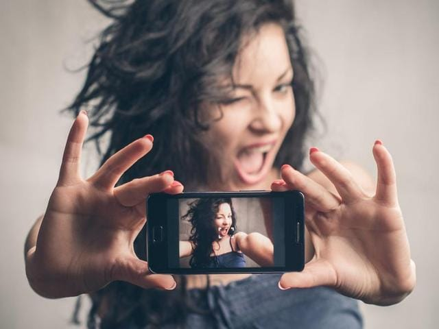 According to researchers from Florida State University, more selfies an individual posts on the social media site Instagram, the greater the likelihood he or she might experience conflict in romantic relationship.