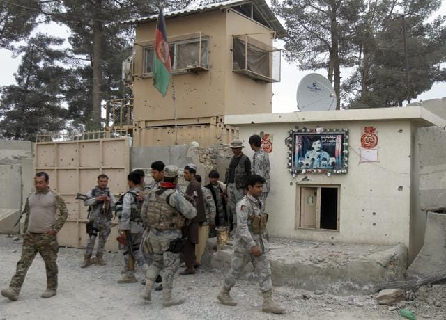 After poisoning, rogue cop shoots dead 10 policemen in Afghanistan