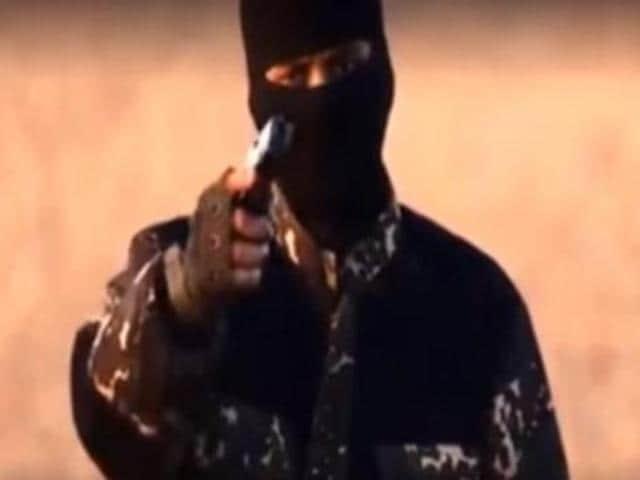 "A 2014 video of the ""New Jihadi John"" that surfaced on recently shows suspect terrorist Siddhartha Dhar praising Adolf Hitler."