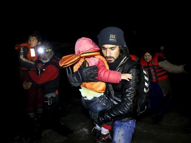 Greek islands,Twelve migrants drown,Turkey