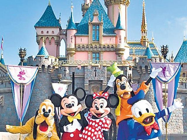 Walt Disney World,Layoffs,NYT