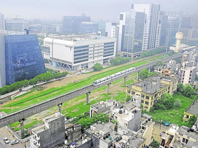 The government announced the list of first 20 smart cities, the citizens of which told HT, they face problems like water, traffic, parks and parking lots.(HT File Photo)