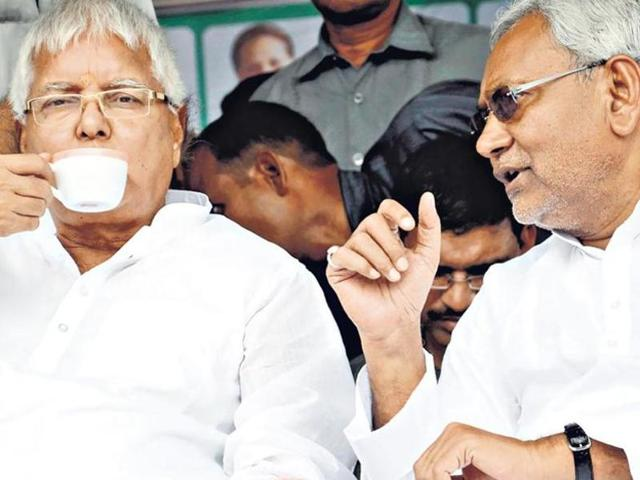 """BJP says that RJD chief Lalu Prasad is the """"super chief minister"""" in Bihar while Nitish Kumar is just a puppet CM.(HT File Photo)"""