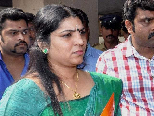 Kochi: Solar scam accused Saritha S Nair arrives to appear at Solar commission office in Kochi on Friday. PTI Photo(PTI1_29_2016_000060B)