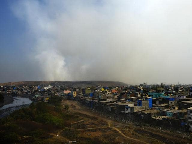 The fire in the city's oldest dumping ground in Deonar continued to cause pollution in the city, but was in control.