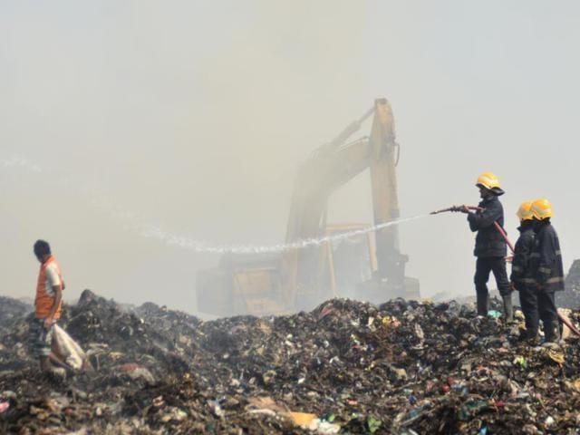Mumbai: Deonar dump fire under control, toxic smoke still affects city