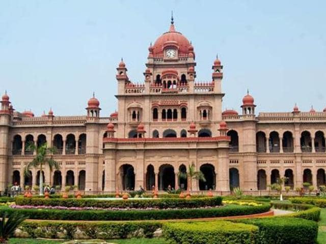 Capt warns against subverting heritage character of Khalsa College ...