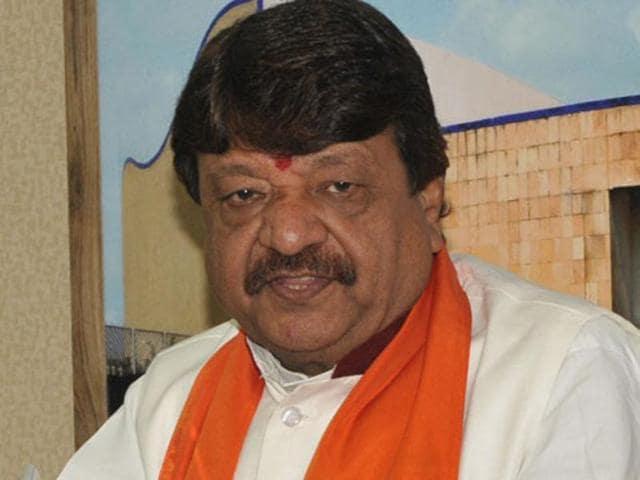 BJP leader Kailash Vijayvargiya has raised questions over Dalith scholar Rohith Vemula's death.