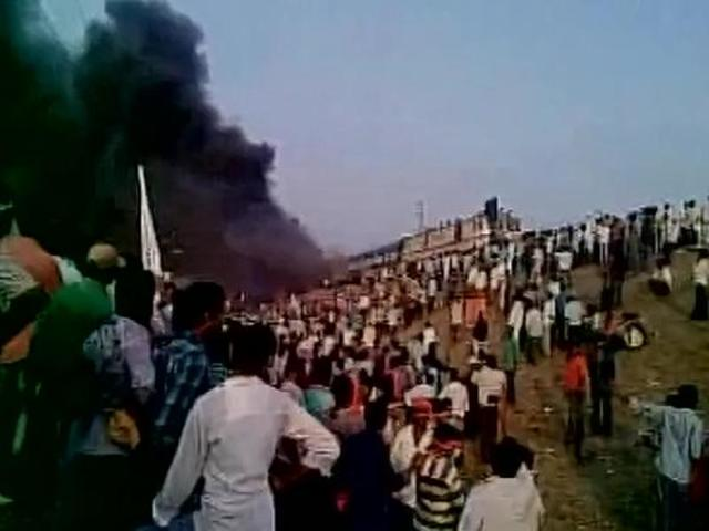 Andhra: Kapus set ablaze train, 2 police stations during quota protest