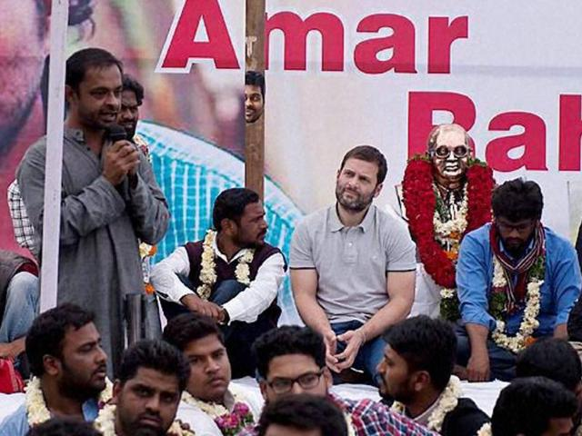Congress Vice President Rahul Gandhi with students at University of Hyderabad during a protest over Rohit Vemula's death in Hyderabad on Saturday.(PTI)